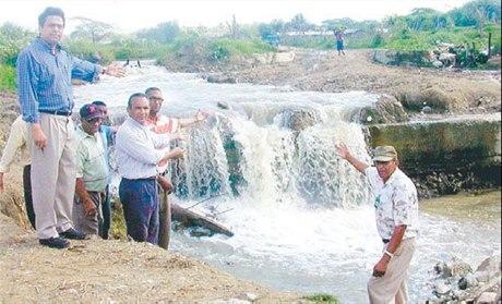 Río amenaza comunidades en  El Mamey, de Los Hidalgos