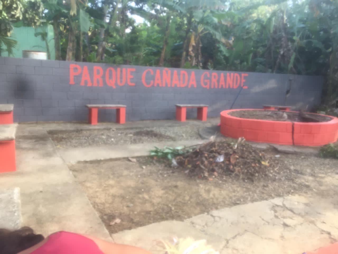 Remozamiento de estancia de recreación en la comunidad de Cañada Grande