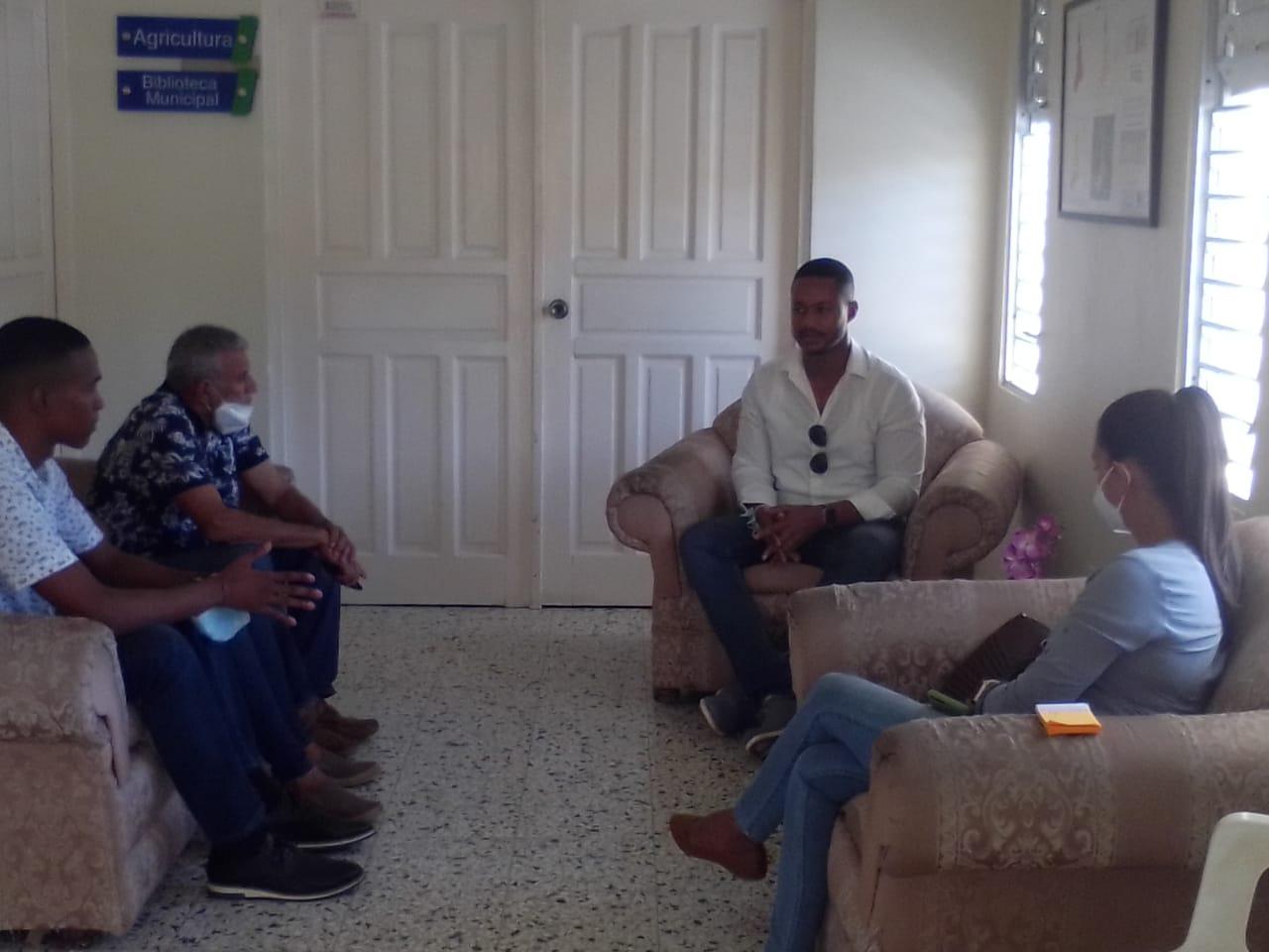 Director provincial de la Juventud se reúne con el alcalde