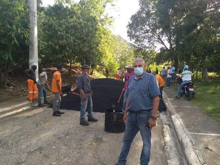 Alcaldía Municipal y MOPC Realizan Programa de Bacheo Técnico